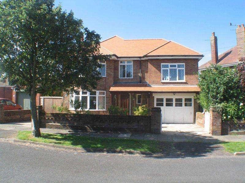 4 Bedrooms Detached House for sale in Wyresdale Avenue, Poulton-Le-Fylde, FY6 7DN