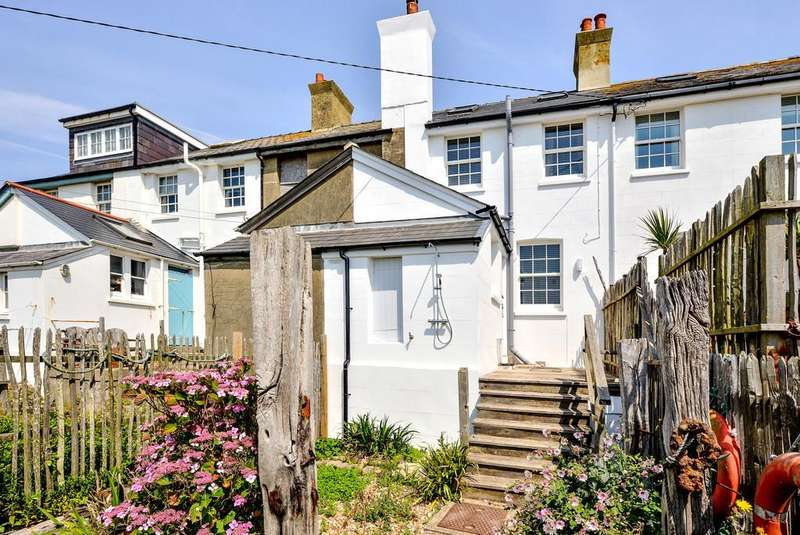 3 Bedrooms Cottage House for sale in Coastguard's Cottages, Jurys Gap, Camber, East Sussex TN31 7SG