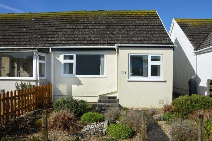 1 Bedroom Bungalow for sale in 29 GIBBONS FIELDS, MULLION, TR12