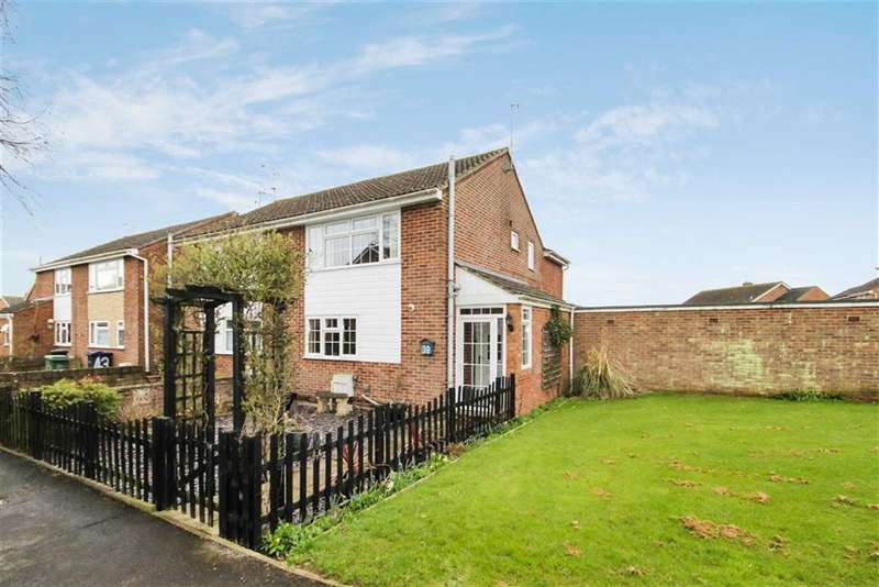 3 Bedrooms Semi Detached House for sale in Shakespeare Road, Royal Wootton Bassett, Wiltshire