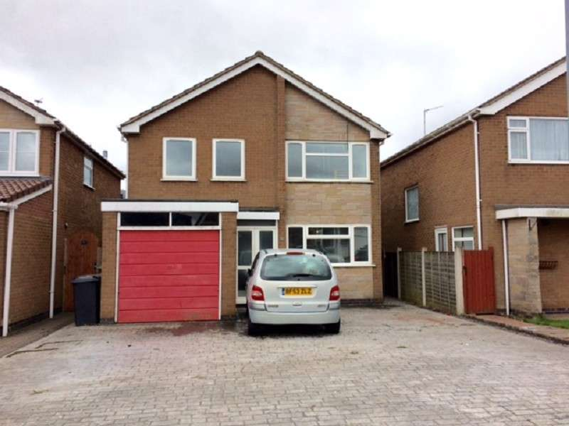 4 Bedrooms Detached House for sale in Chetwynd Drive, Nuneaton, Warwickshire. CV11 4TF