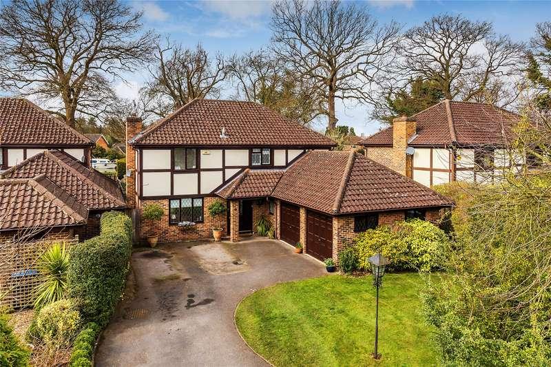 4 Bedrooms Detached House for sale in Fairwater Drive, New Haw, Surrey, KT15