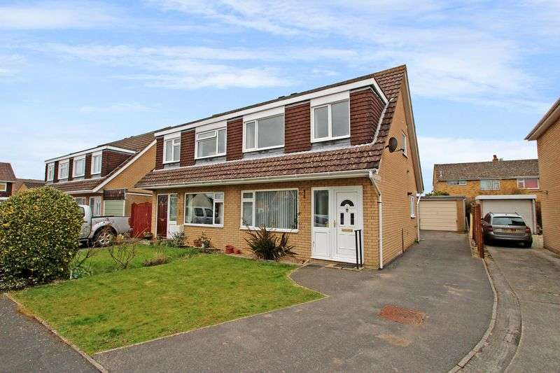 3 Bedrooms Property for sale in Pine Close, Street