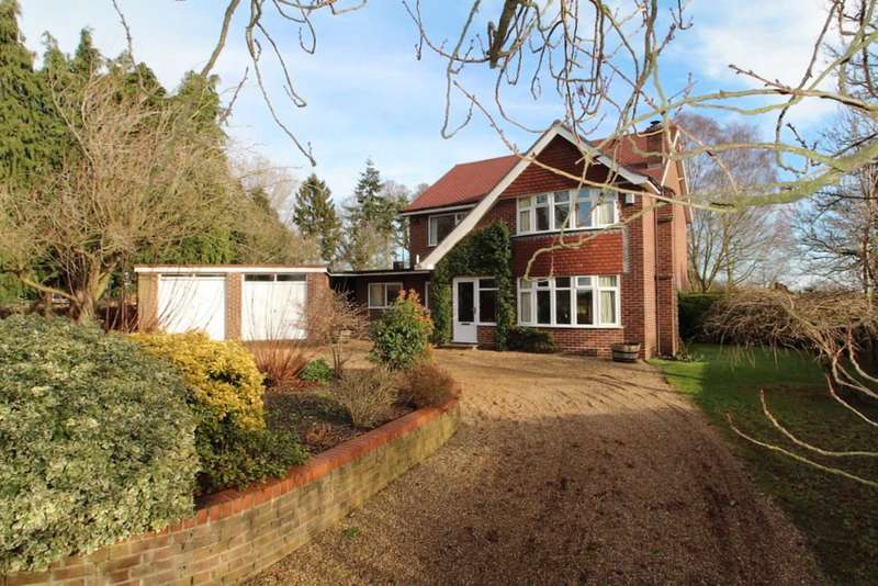 4 Bedrooms Detached House for sale in Church Road, Postwick