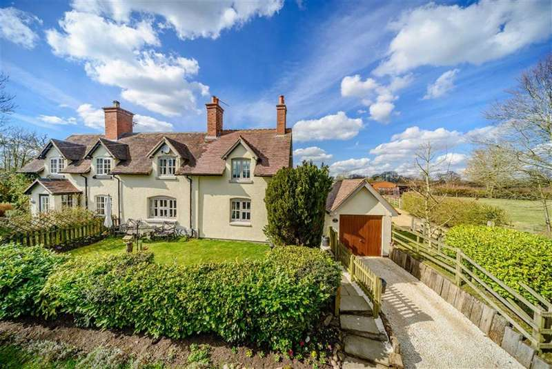 2 Bedrooms Country House Character Property for sale in Wheelbarrow Lane, Claverdon, Warwick, CV35