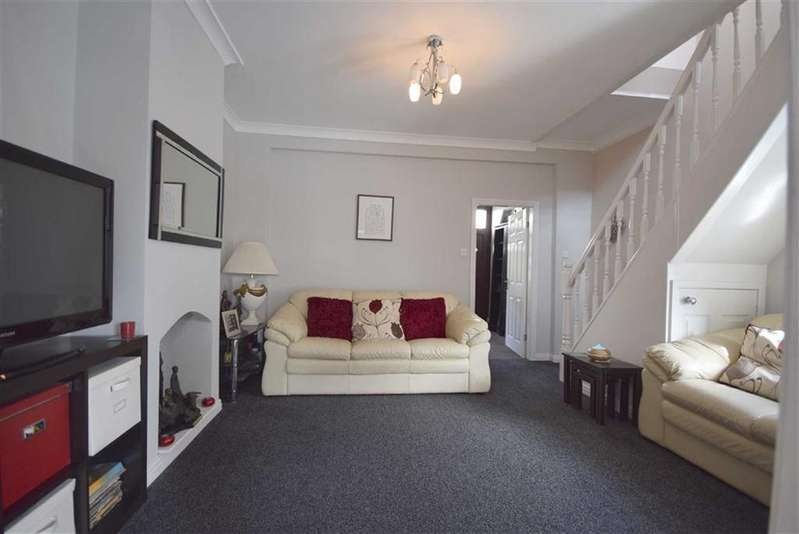 2 Bedrooms Terraced House for sale in Windsor Street, Burnley, Lancashire
