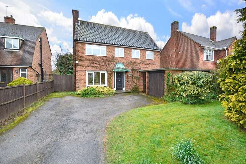 4 Bedrooms Detached House for sale in Coltsfoot Drive, Guildford