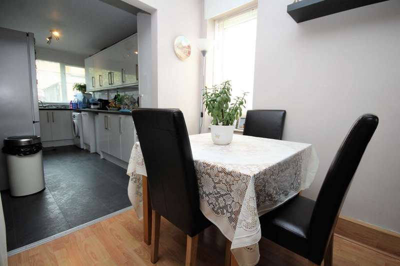 2 Bedrooms Apartment Flat for sale in Cameron Close, Brentwood