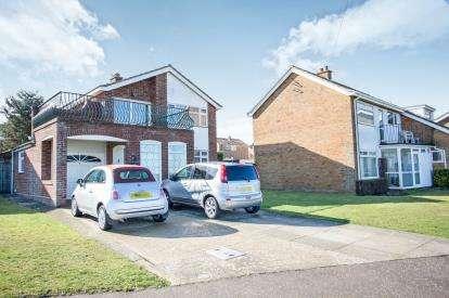 3 Bedrooms Detached House for sale in Cromer, Norfolk
