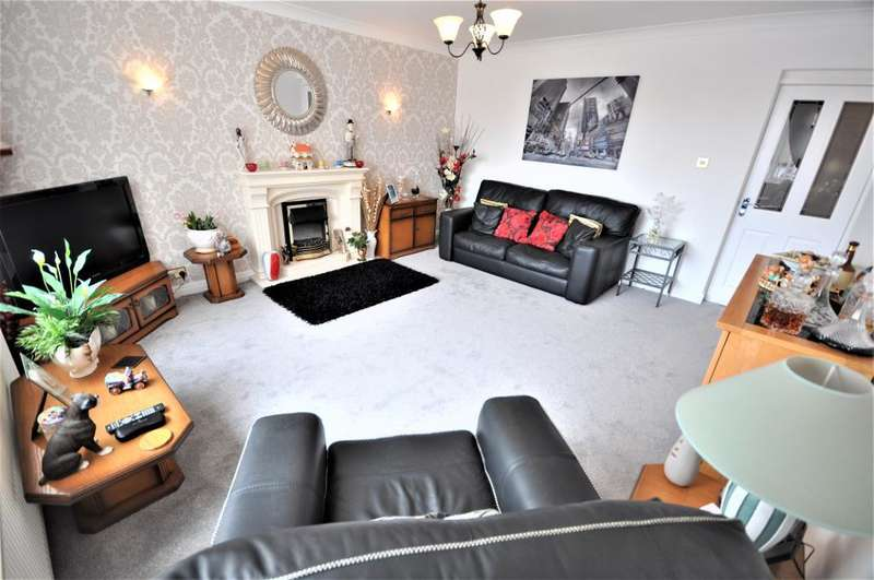 2 Bedrooms Flat for sale in St Annes Road, Blackpool, Lancashire, FY4 2RB
