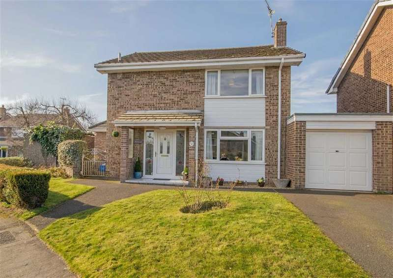 3 Bedrooms Detached House for sale in St Peters Park, Northop, Mold