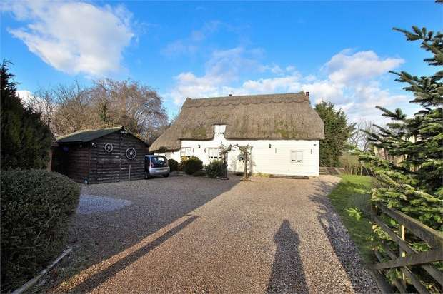 3 Bedrooms Detached House for sale in Stebbing, Dunmow, Essex