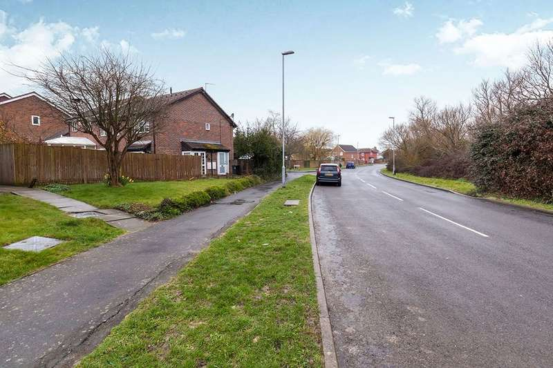 1 Bedroom Property for sale in Hambleton Close, Eastbourne, BN23