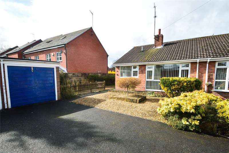 2 Bedrooms Semi Detached Bungalow for sale in 33 The Deansway, Kidderminster, DY10