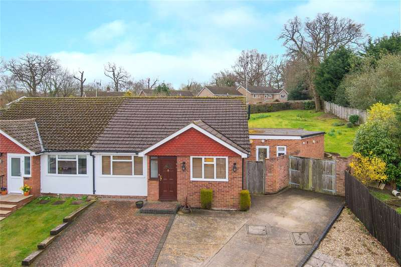 3 Bedrooms Semi Detached Bungalow for sale in Clarence Close, Bushey Heath, WD23