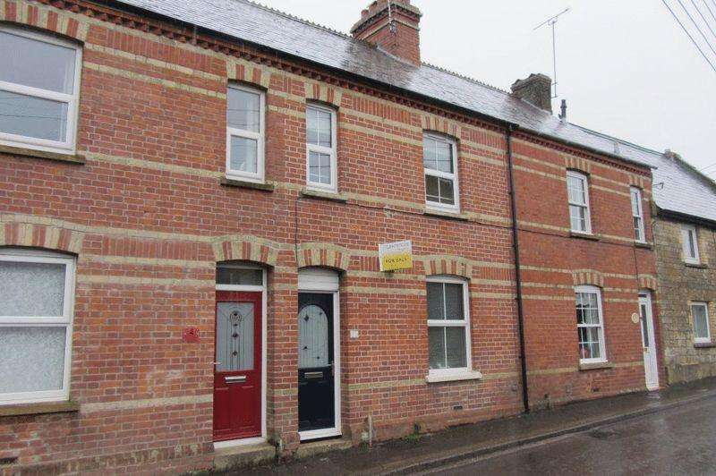 3 Bedrooms Terraced House for sale in Middle Street, Misterton