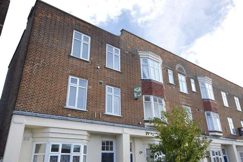 2 Bedrooms Flat for sale in Bromley Road Catford