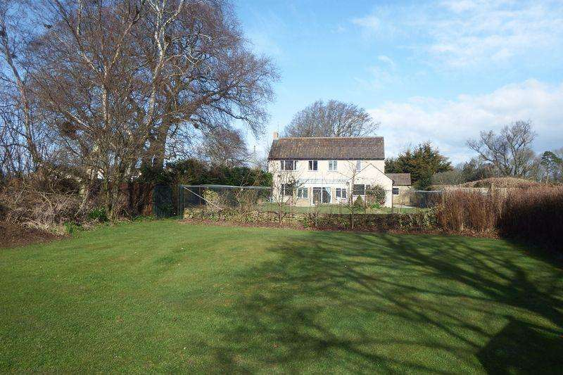 4 Bedrooms Detached House for sale in Camp Road, West Coker