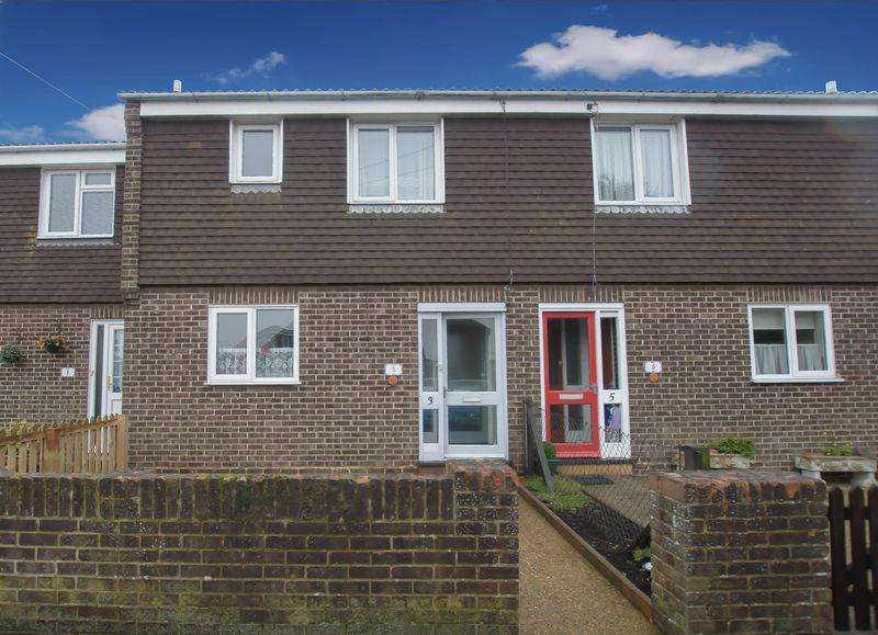 3 Bedrooms Terraced House for sale in St Patricks Close, Deal