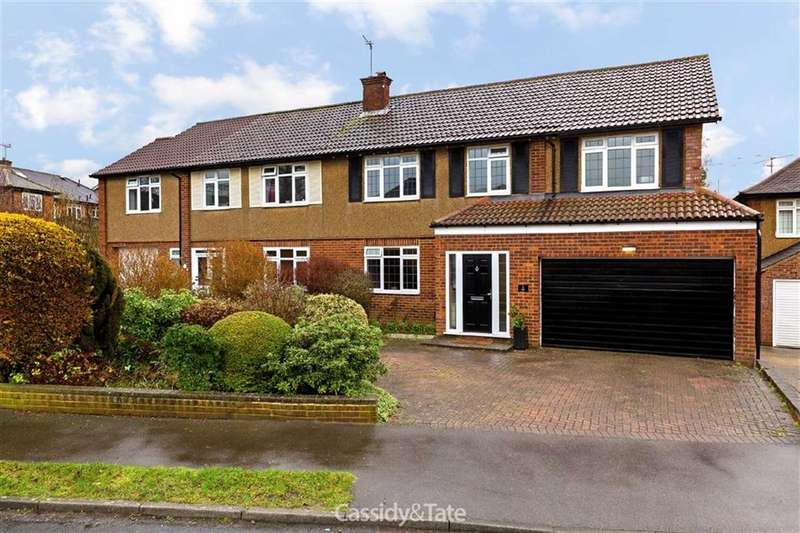 4 Bedrooms Property for sale in Meadow Close, St Albans, Hertfordshire