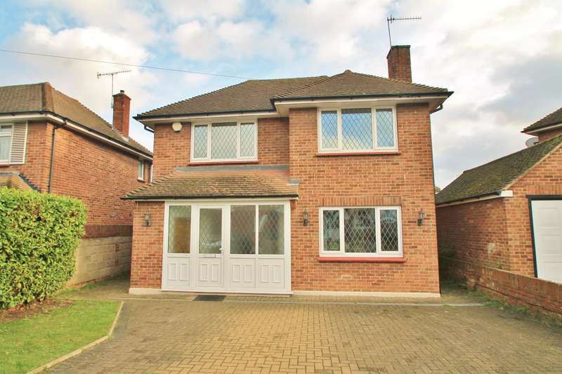 4 Bedrooms Detached House for sale in Abbey Road, Gravesend, DA12 1RG