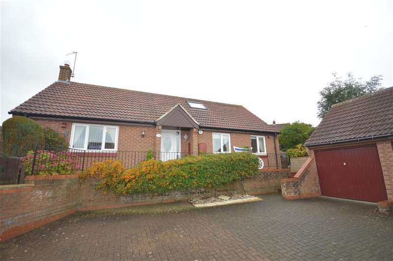 3 Bedrooms Bungalow for sale in Coverdale Drive, Scarborough, , YO12 5TP
