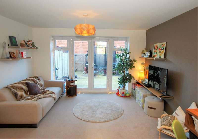 4 Bedrooms Town House for sale in Kohima Crescent, Huntington