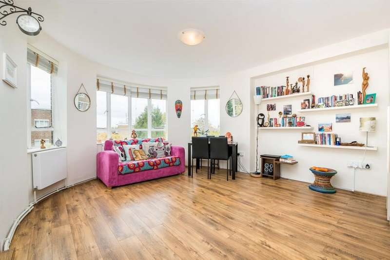 Studio Flat for sale in Ruskin Park House , Champion Hill