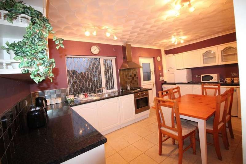 2 Bedrooms Semi Detached House for sale in Birch Hall Avenue, Darwen