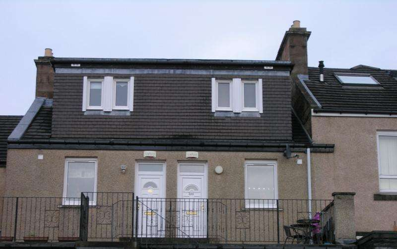 1 Bedroom Flat for sale in 325 Main Street, Wishaw, ML2 7NG