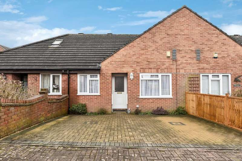 2 Bedrooms Bungalow for sale in High Wycombe, Buckinghamshire, HP11