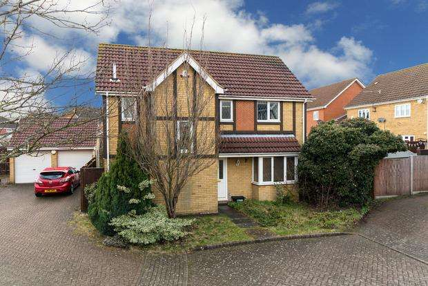 4 Bedrooms Detached House for sale in Thyme Close, Luton, LU2