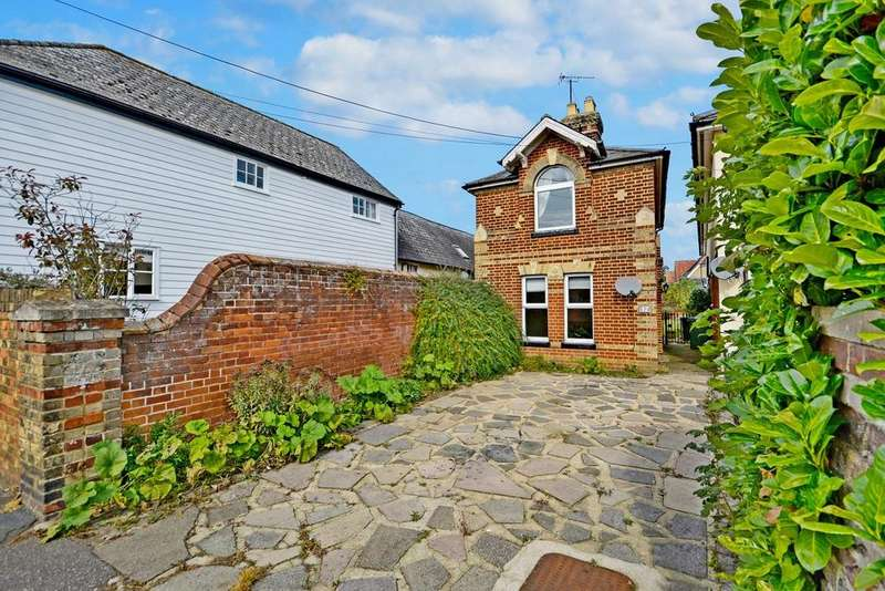 2 Bedrooms Detached House for sale in The Street, Rayne, Braintree, Essex, CM77