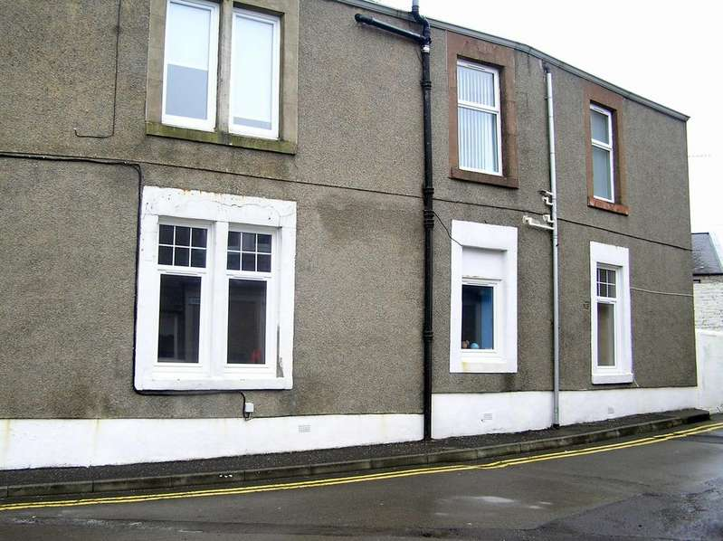 3 Bedrooms Flat for sale in 10 Clyde Street, Isle of Cumbrae, KA28 0EP