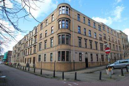 3 Bedrooms Flat for sale in Elie Street, Partick, Glasgow