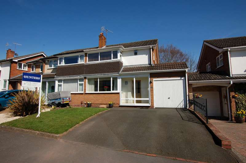 3 Bedrooms Semi Detached House for sale in Richmond Grove, Stourbridge, DY8 4SF