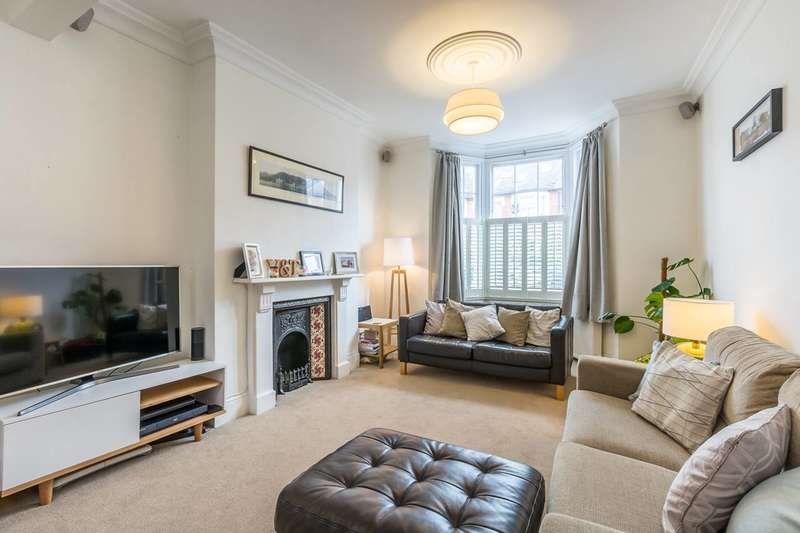 4 Bedrooms Terraced House for rent in Ormeley Road, Balham, SW12