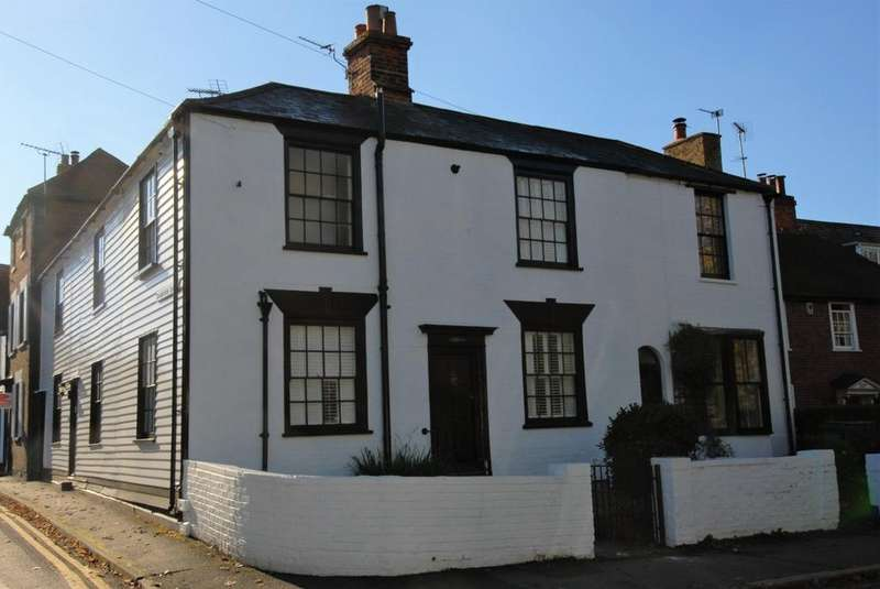 3 Bedrooms Cottage House for sale in Dymchurch Road, Hythe, CT21