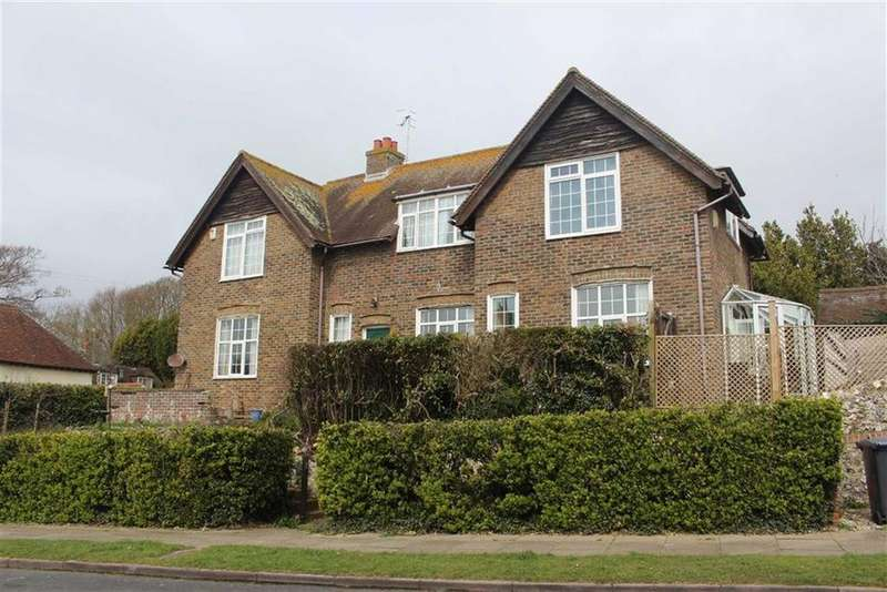 4 Bedrooms Detached House for sale in Homefield Road, Seaford