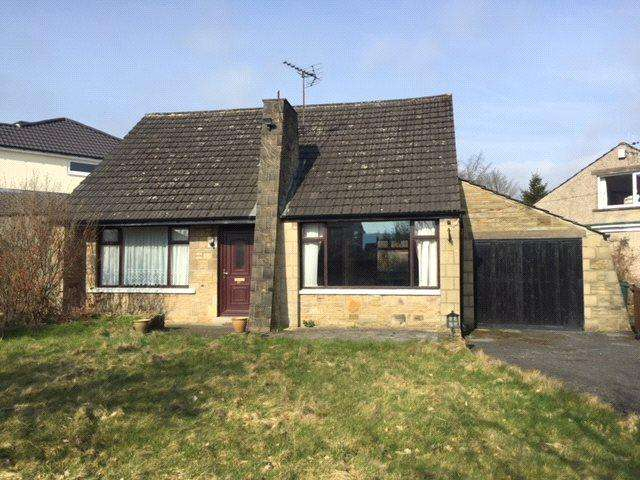 3 Bedrooms Detached Bungalow for sale in Beckfield Road, Cottingley, Bingley, West Yorkshire