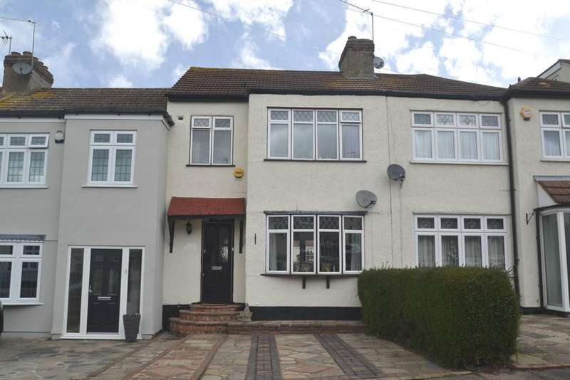 3 Bedrooms Terraced House for sale in Gelsthorpe Road, Collier Row