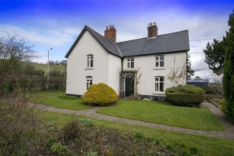 4 Bedrooms Detached House for sale in Oswestry Road, Welshpool, SY21
