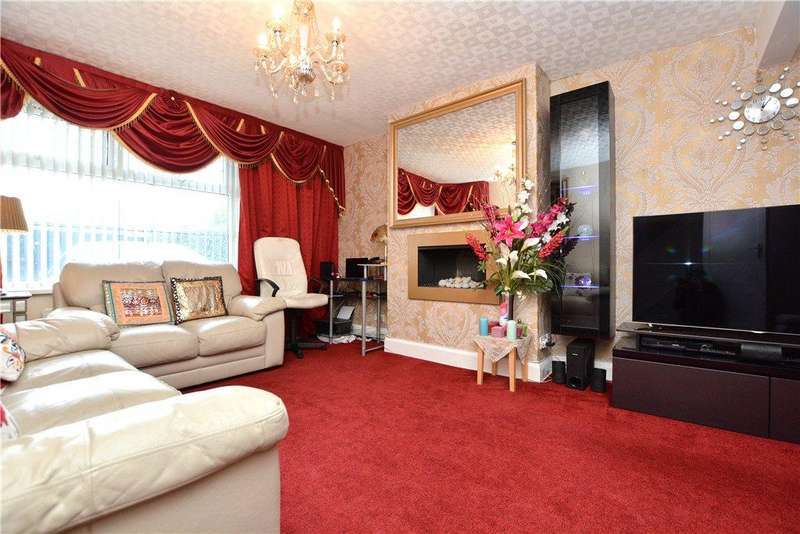 3 Bedrooms Semi Detached House for sale in Bradford Road, Pudsey, West Yorkshire
