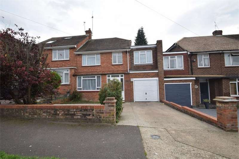 4 Bedrooms Terraced House for sale in Hurstwood, Davis Estate, ME5