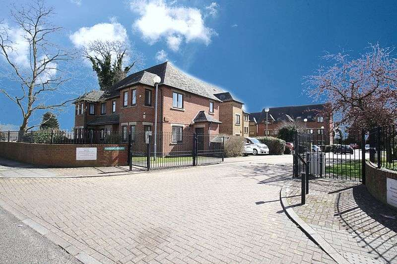 2 Bedrooms Property for sale in Farrans Court HA3 0AT