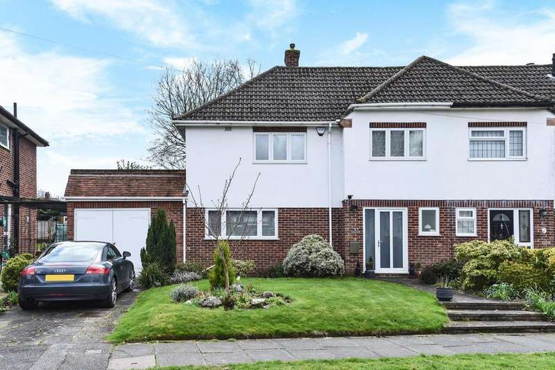 4 Bedrooms Semi Detached House for sale in Barnet Drive, Bromley
