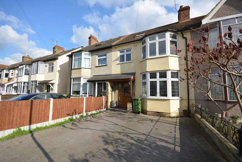 4 Bedrooms Terraced House for sale in Harwood Avenue, Ardleigh Green, Hornchurch RM11