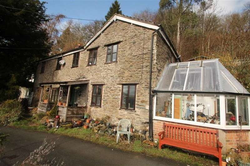 4 Bedrooms Detached House for sale in Garth, Glyn Ceiriog