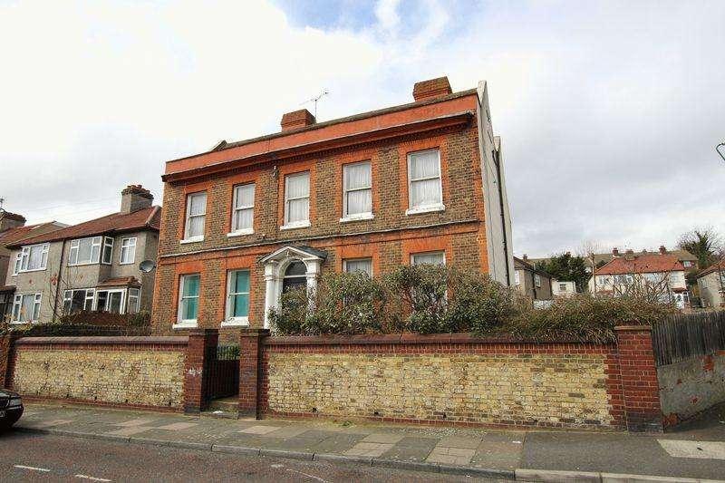 8 Bedrooms House for sale in Bexley Lane, Crayford