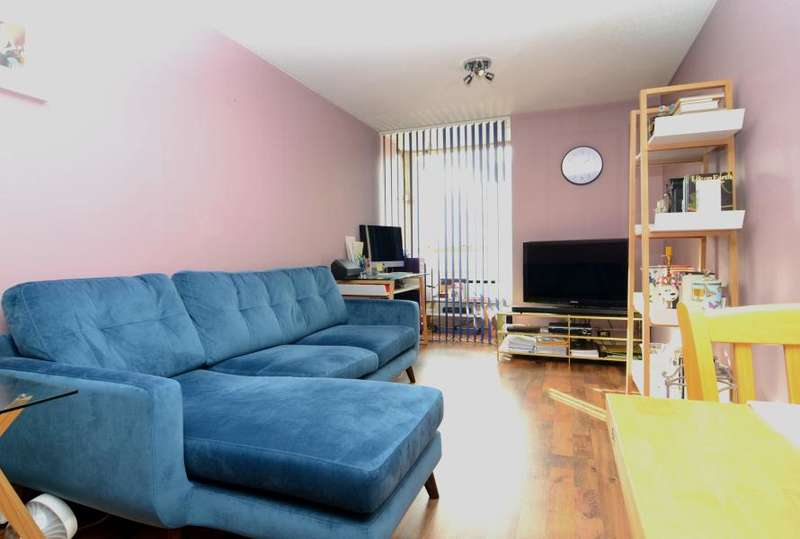 1 Bedroom Flat for sale in Bramlands Close, Battersea, SW11